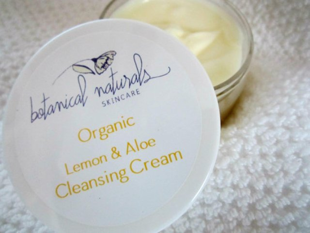 Moisturizing Lemon & Aloe Face Cleanser