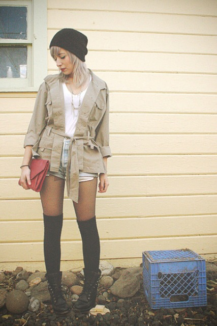 WEAR COMBAT BOOTS WITH KNEE HIGH SOCKS 3