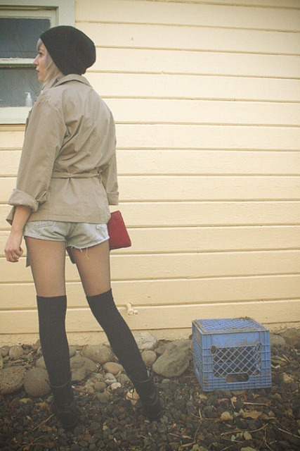 WEAR COMBAT BOOTS WITH KNEE HIGH SOCKS - 4