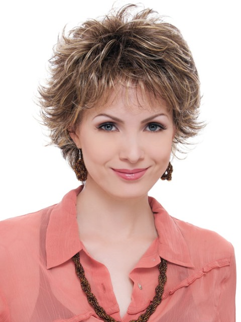 Short haircuts for women with round faces