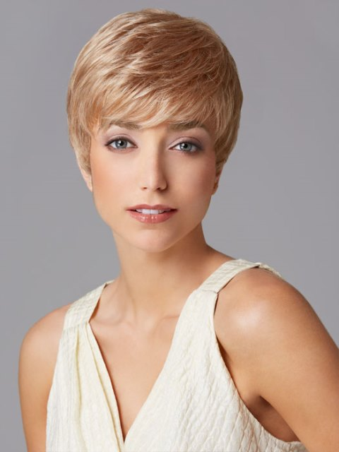 Short haircuts for women with square faces