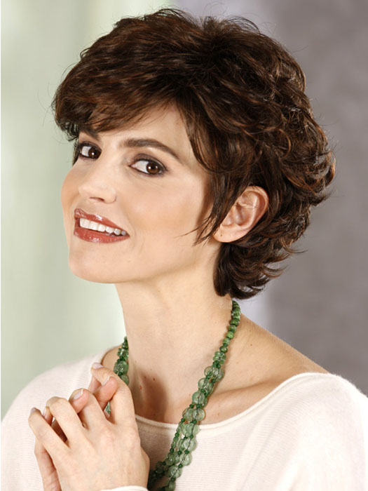 Cool 16 Fabulous Short Hairstyles For Curly Hair Olixe Style Hairstyles For Women Draintrainus