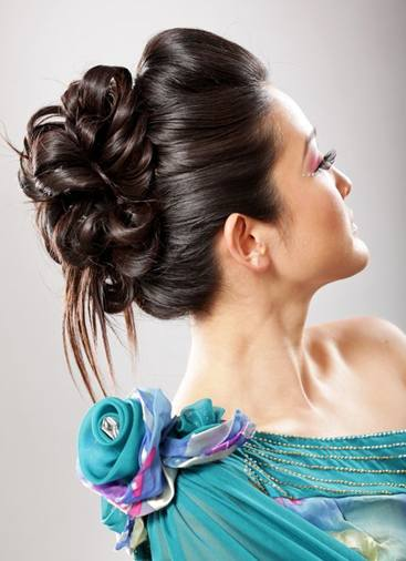 15 Easy Long Hair Updos Olixe Style Magazine For Women