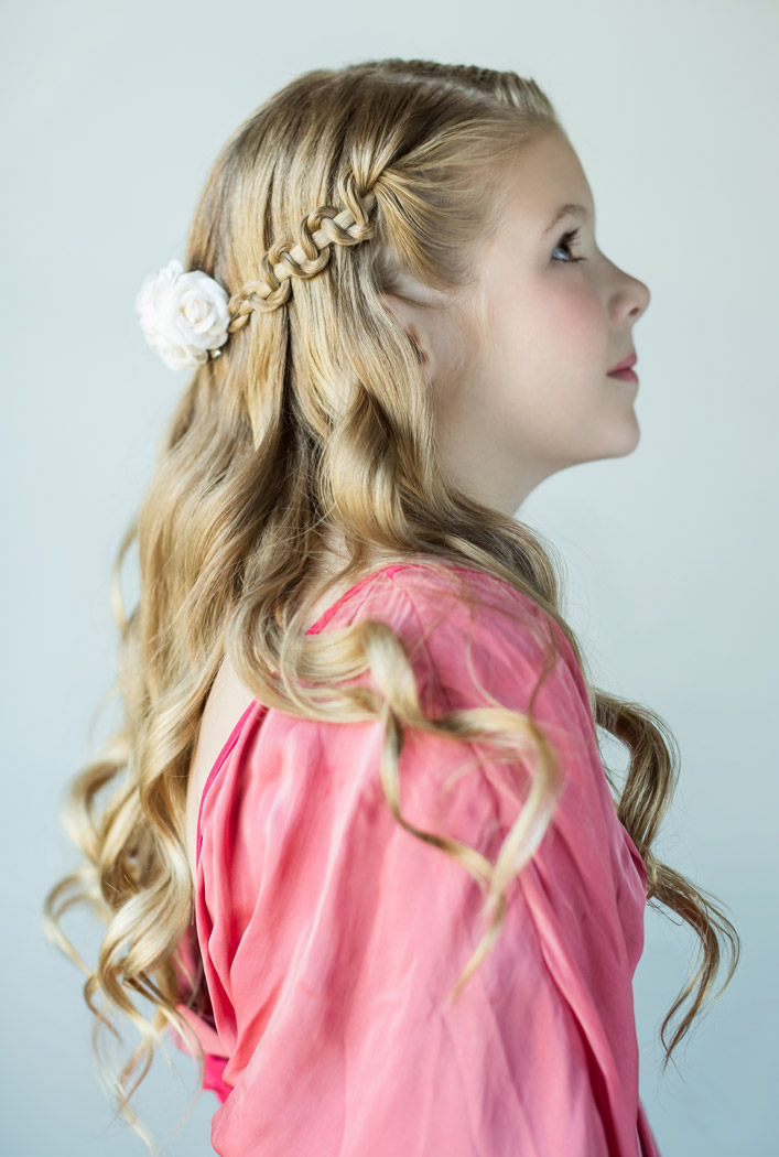 9 Beautiful Flower Girl Hairstyles